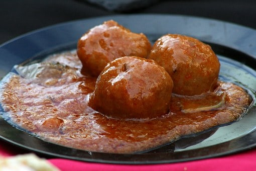 Soft Italian Meatballs Made With Perfection